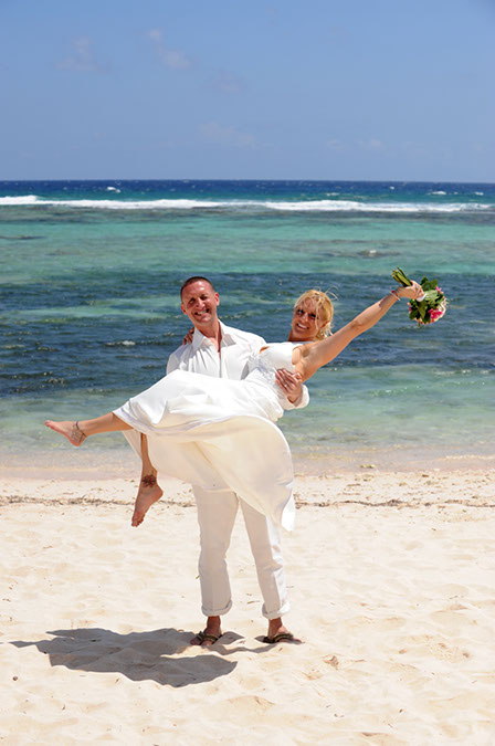 Jewish Rituals at Cayman Beach Wedding - image 1